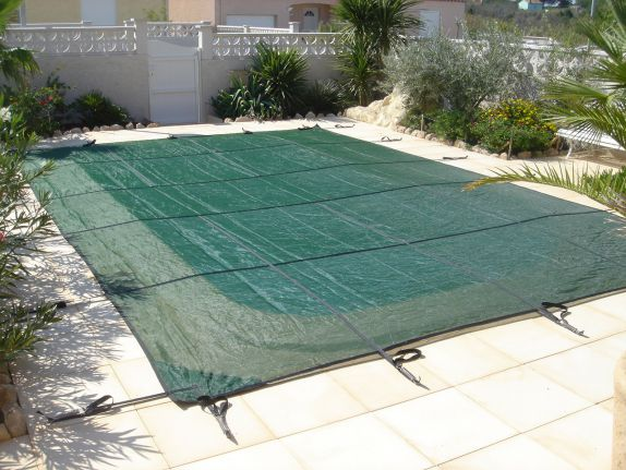 B che de piscine for Bache filet hivernage piscine